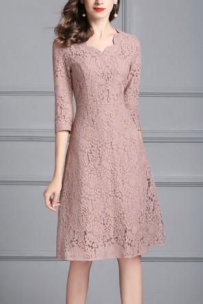 Petite robe cocktail invitée vieux rose dentelle à manche