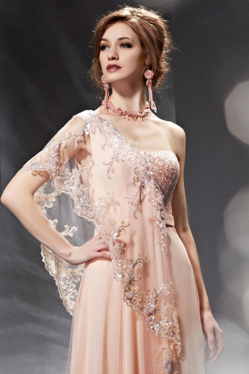 Robe pour soirée rose longue à seule manche suspendue avec broderies