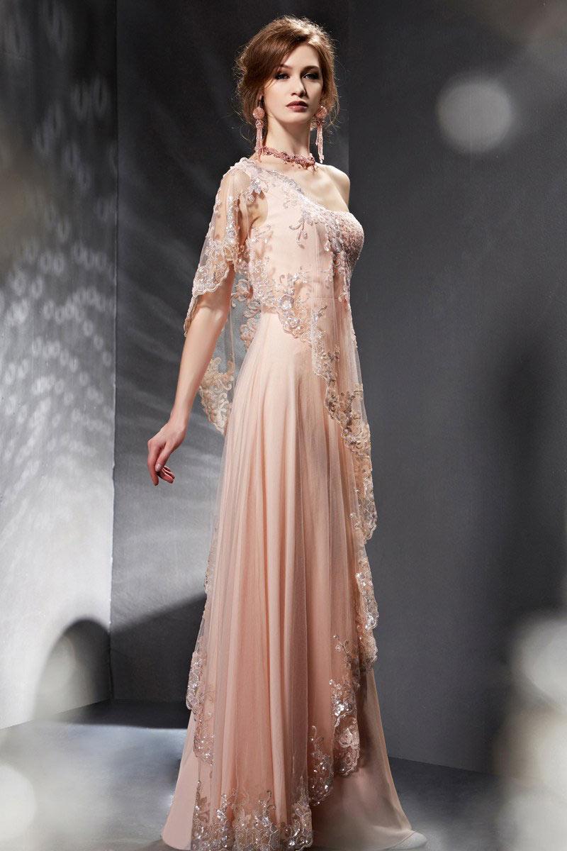 Robe de soiree elegante et longue