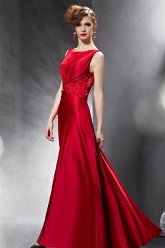 Robe pour soirée rouge longue dos nu ornée de paillettes
