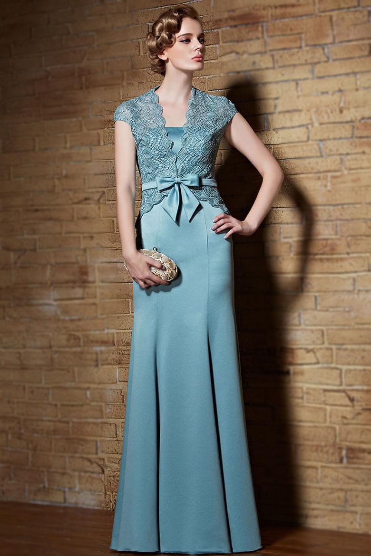 43e5a73f546 Robe de soirée chic en bleu clair avec boléro en dentelle guipure ...