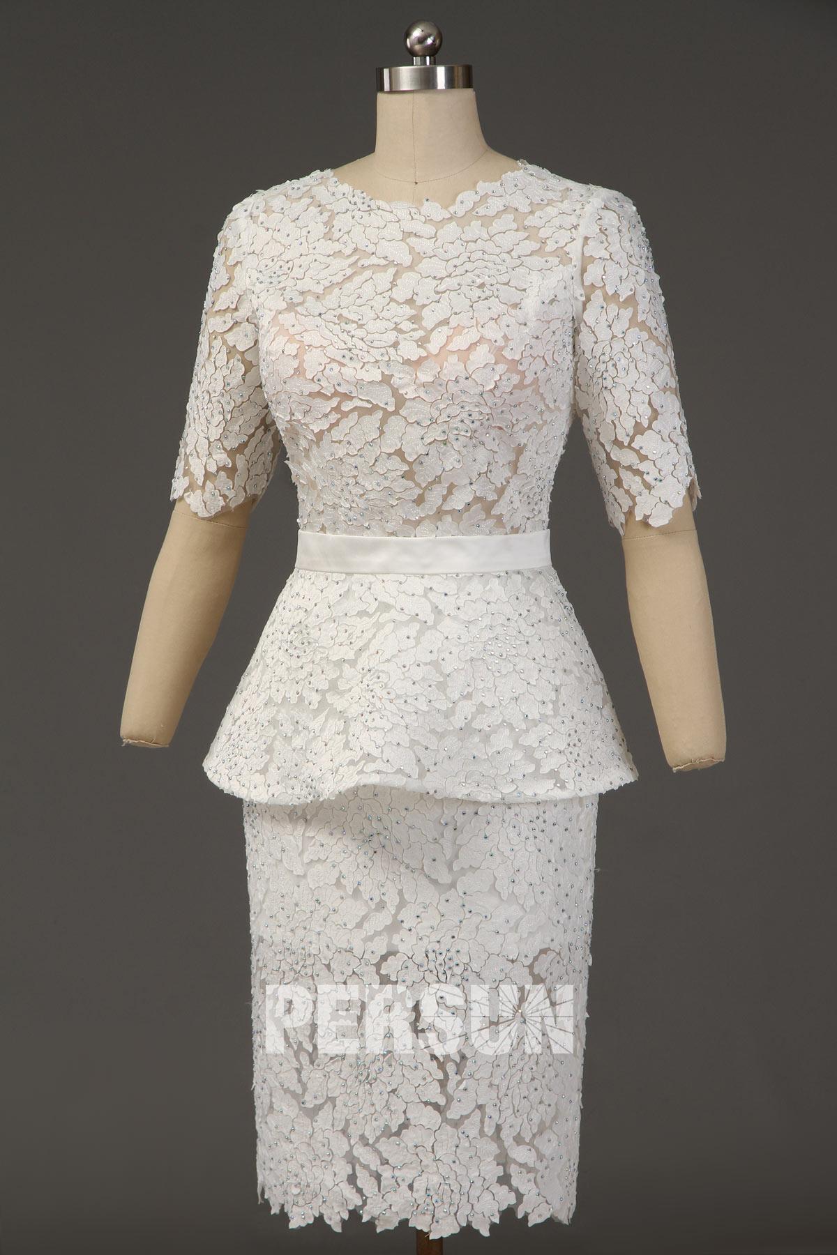 Robe péplum courte fourreau blanche fendue en dentelle florale