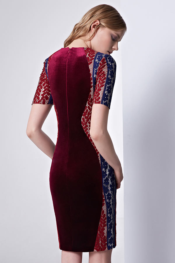 Robe de cocktail bordeaux à manche moulante tricolore en velours
