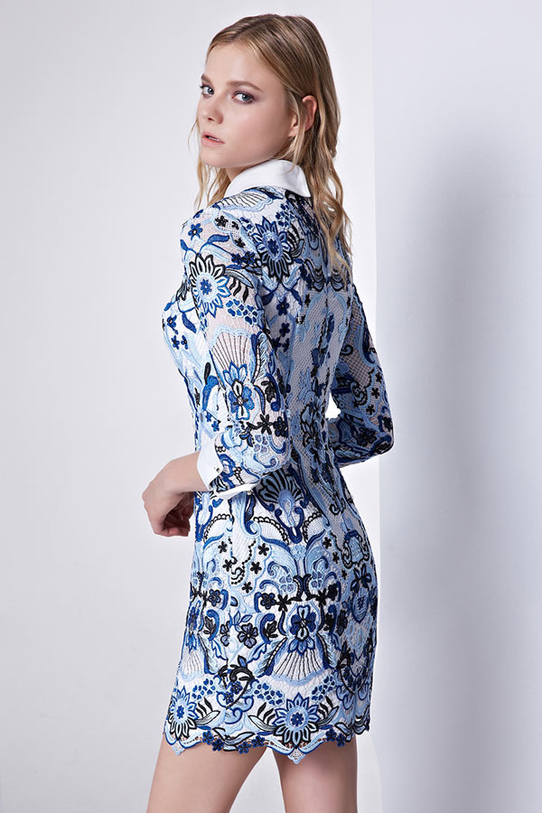 Robe tunique bleu courte moulante col Claudine à manche