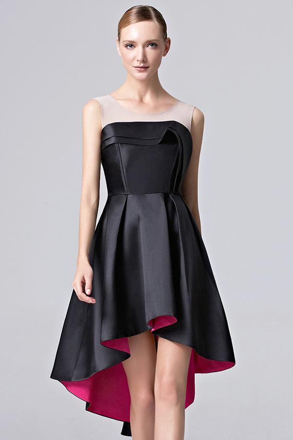 chic petite robe noire bascule simple en satin