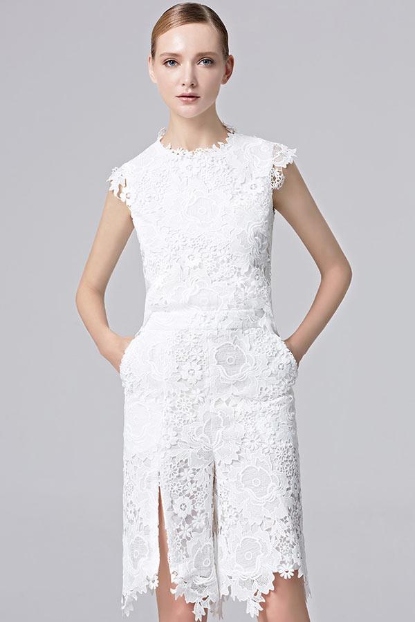 Robe pantalon courte en dentelle pour soirée blanche