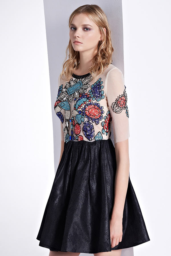 76c8583920e Robe de fille habillée en motif original dos transparent à manche ...