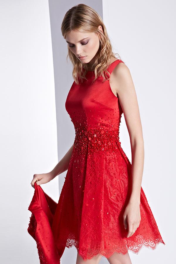 Robe de cocktail rouge dentelle aux bijoux col rond courte pour mariage