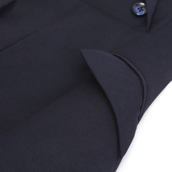 Robe chemisier bleu femme au bureau avec poche