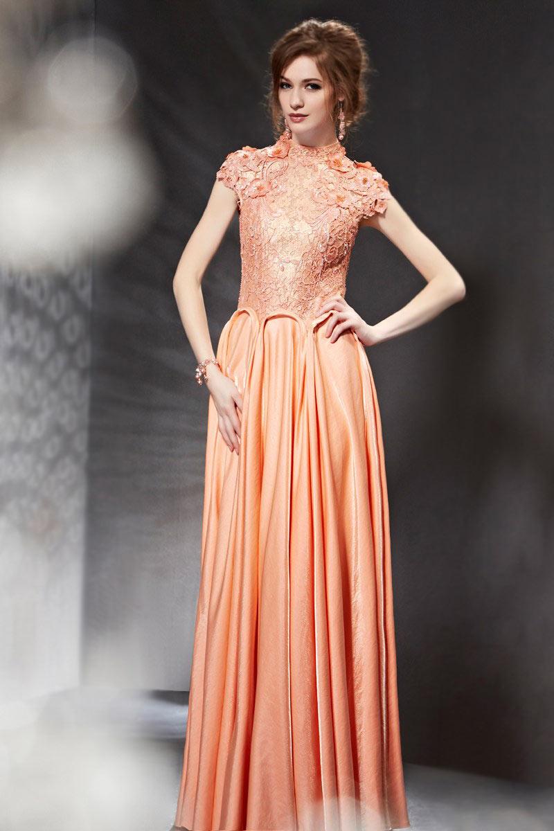99854a2333ed5 Robe pour soirée orange longue dentelle au haut avce bijoux - Persun.fr
