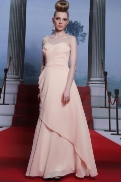 Chic robe longue à seule manche transparente