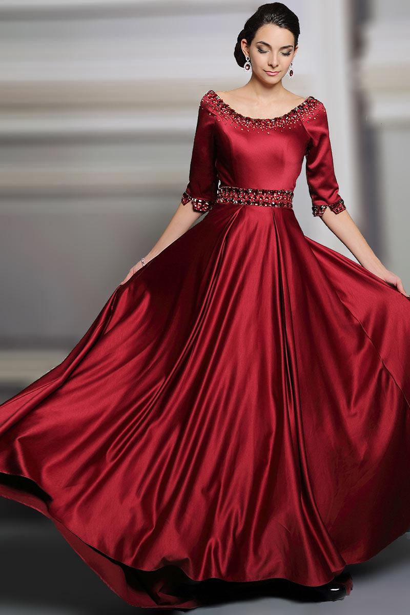robe de soirée pour mariage grande jupe avec bijoux délicats en buste