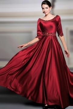 Robe de gala rouge longue en satin soyeux rouge bourgogne aux manches courtes