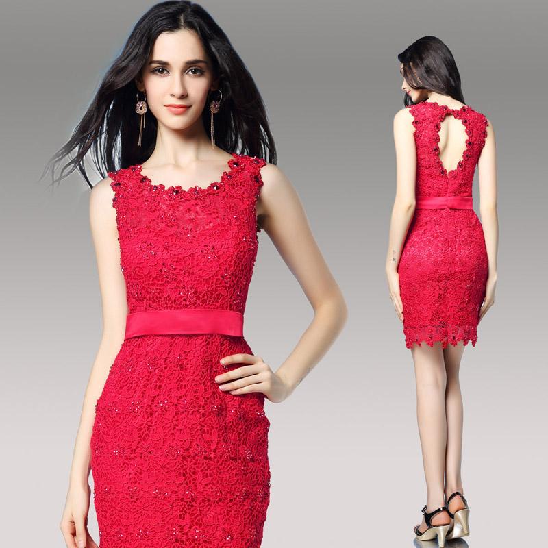 robe de soirée rouge fourreau en dentelle dos découpé