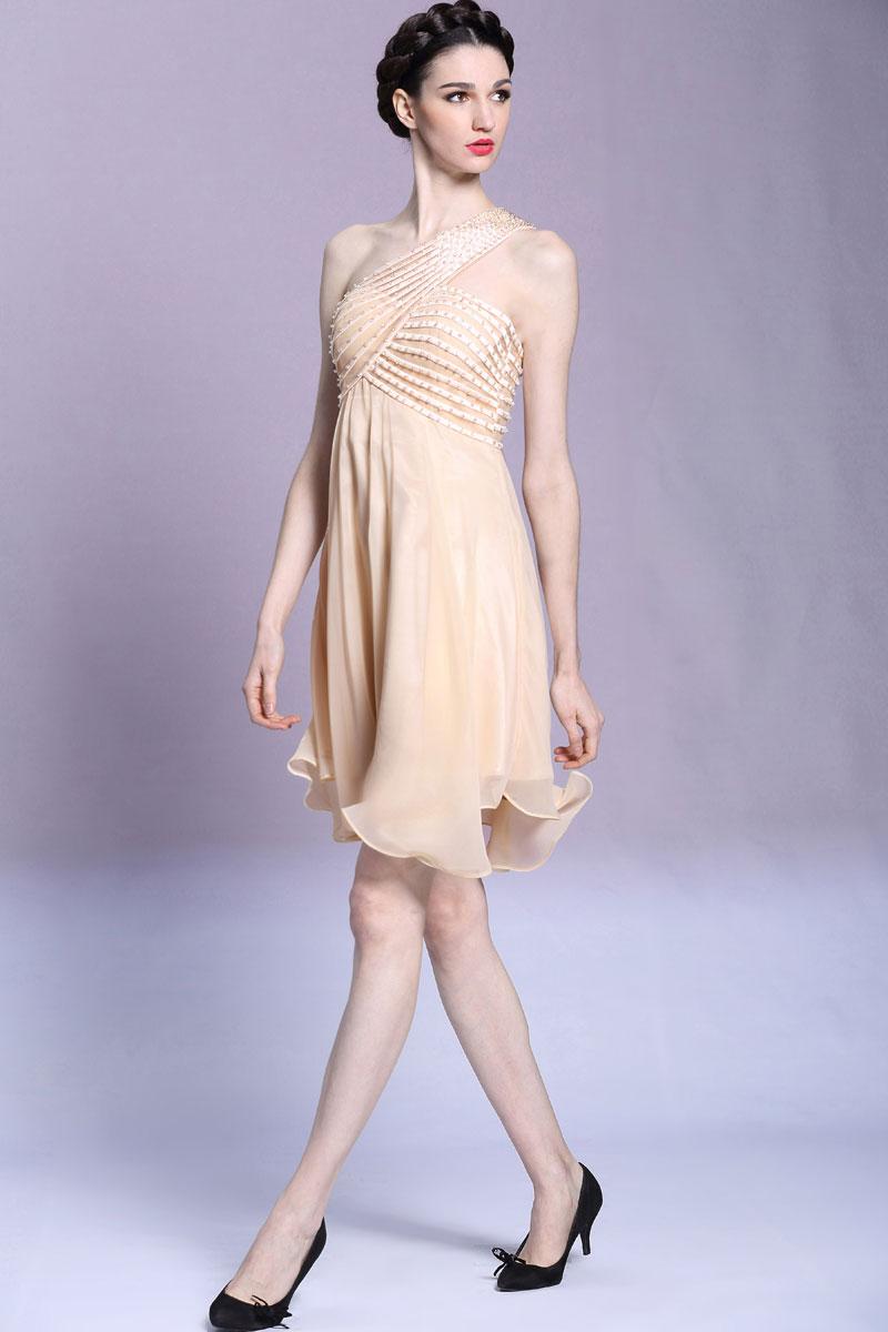 Robe nude asymétrique courte orné de bijoux pour soirée de mariage