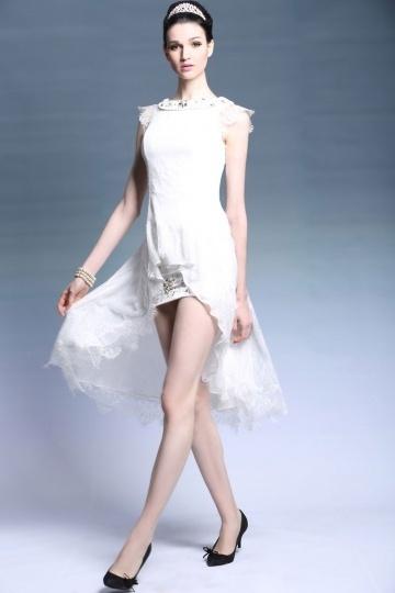 robe de cocktail blanche courte devant longue derrière