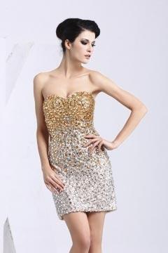 Petite robe dorée bustier ornée de rhinestones