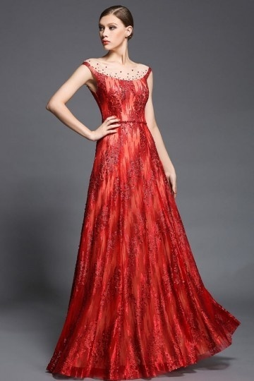 Robe rouge longue dos transparent en sequin