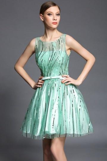 Petite robe verte design illusion en sequin avec ceinture fine