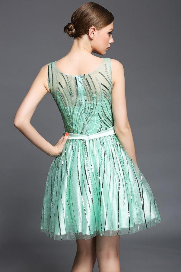 Petite robe cocktail vert d'eau originale à sequin col illusion