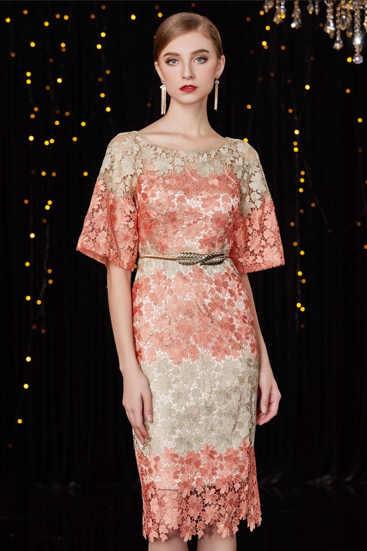 robe bicolore courte en dentelle à manche évasée pour mariage invité
