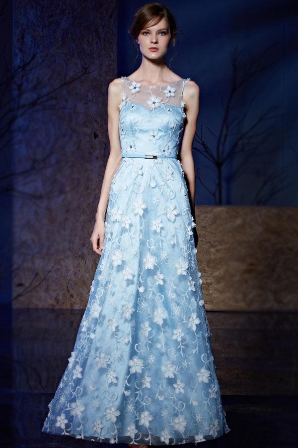 robe demoiselle dhonneur longue bleu col illusion appliquée de dentelle florale