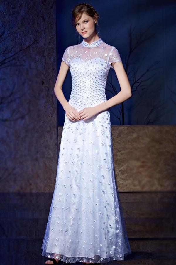 robe de soirée col travaillé en cheongsam ornée de paillettes