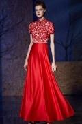 Robe bicolore rouge et blanche longue col montant en satin