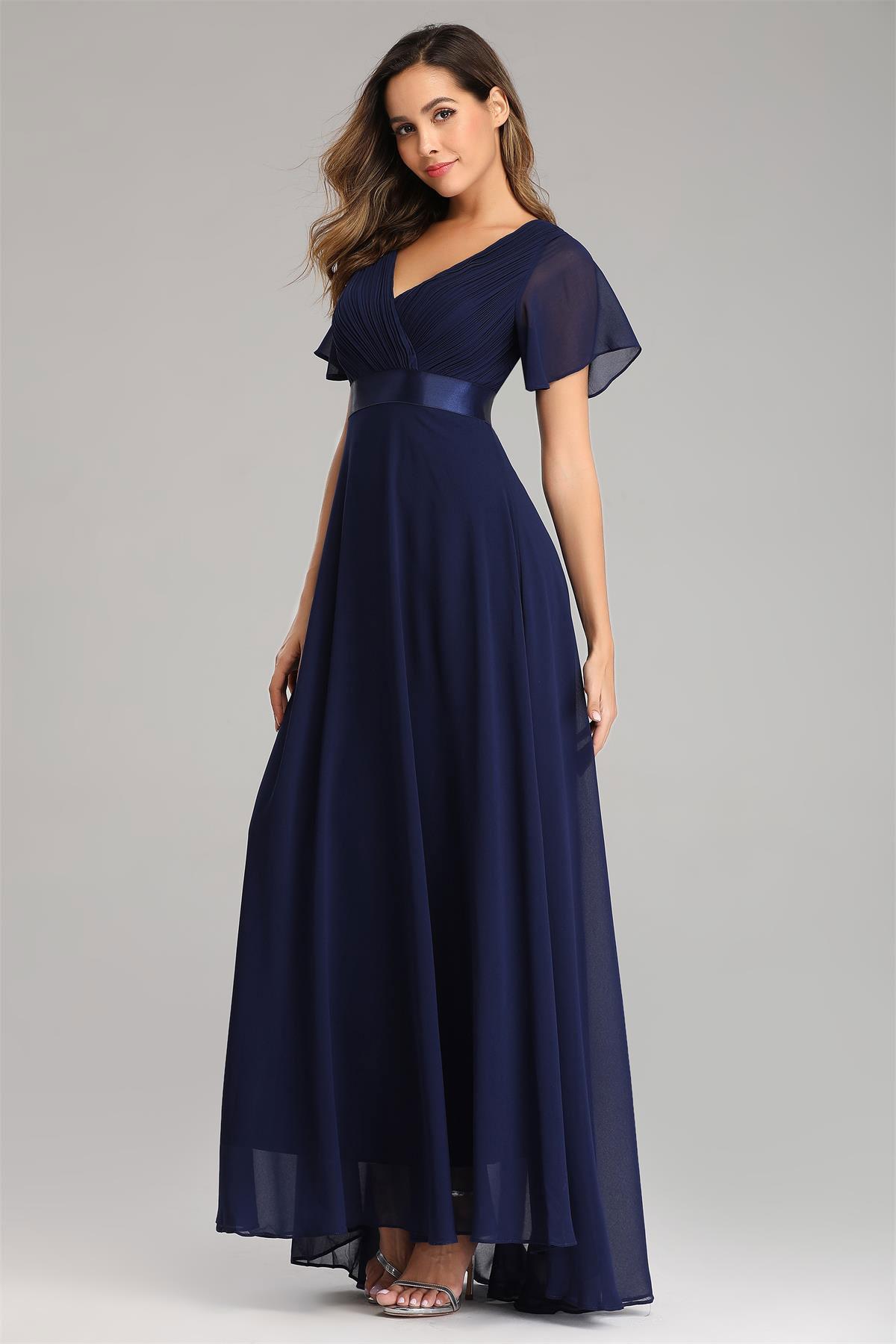 robe demoiselle d'honneur simple bleu nuit encolure v plissé avec manches à volant