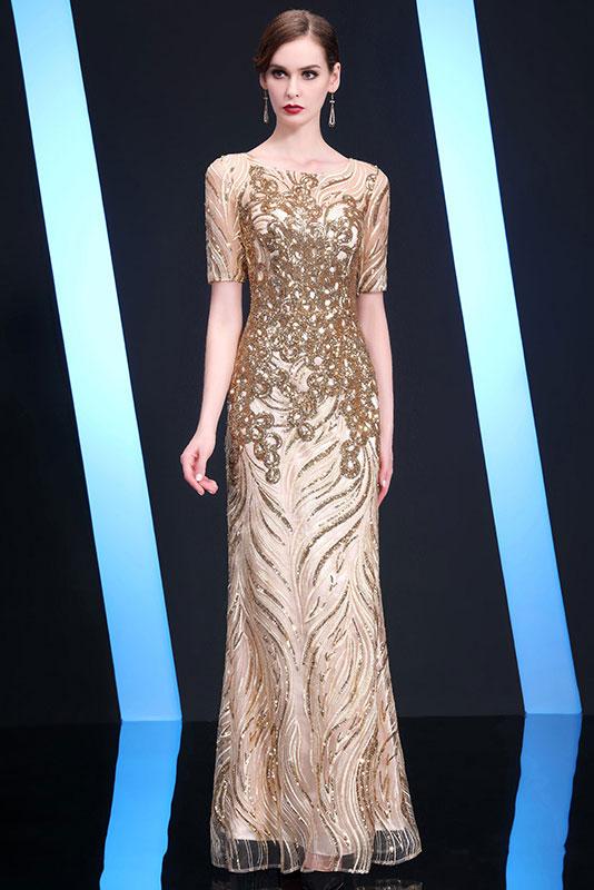 robe de bal dorée longue fourreau embelli de sequin à manche courte