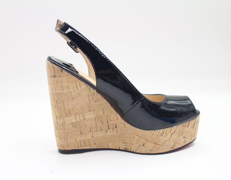 sandale noire compensée à bout ouvert
