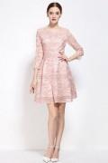 Robe rose patineuse appliquée de fleurs à manche 3 / 4 pour soirée