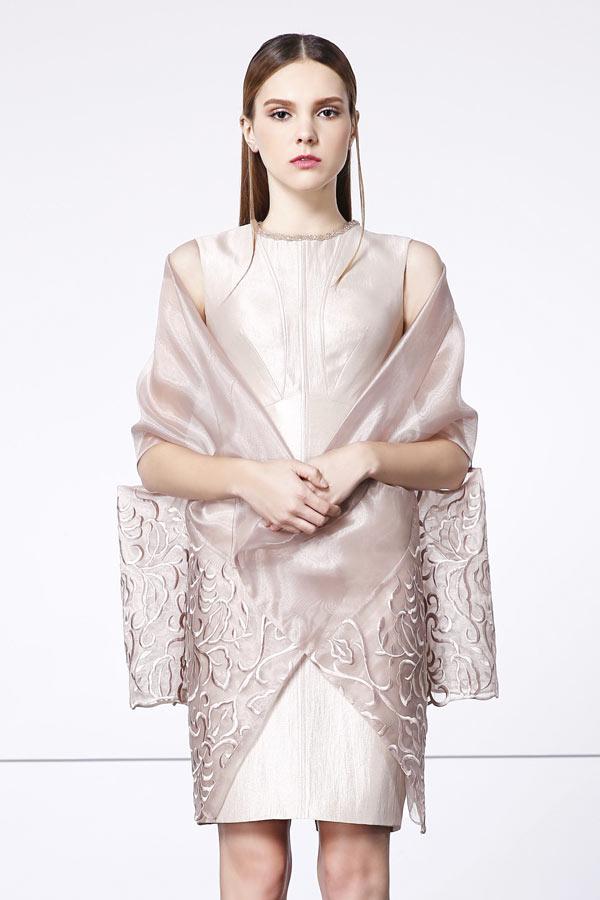 robe vintage mère de mariée fourreau champagne courte avec cape appliqué