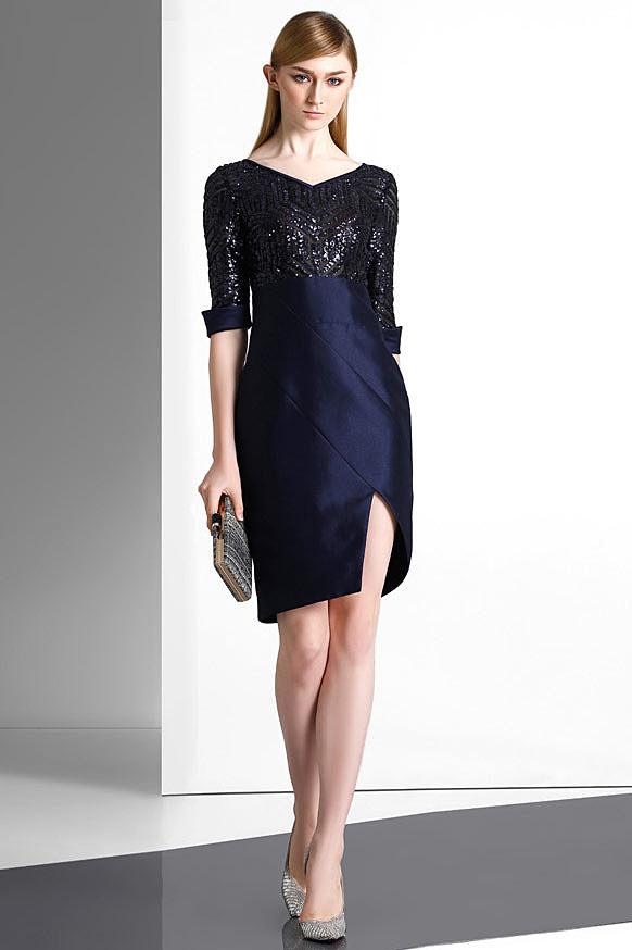 545254ec555f Robe chic bleu nuit à paillettes col V   jupe fendue pour cocktail ...
