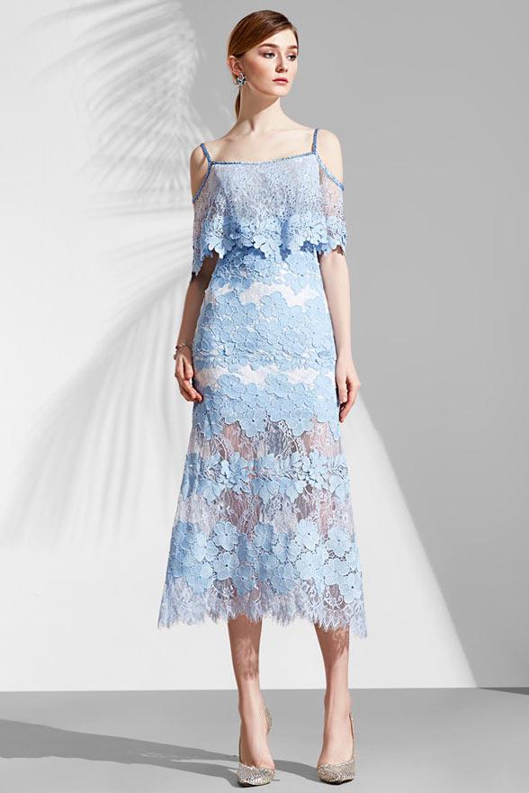 Robe de soirée boho dentelle guipure bleu pastel à fine bretelle   jupe  semi transparente c45e47a684b4