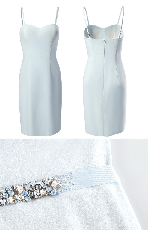 simple robe de soirée bleu pale moulante avec bretelle fine