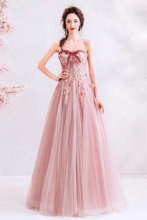 Robe de soirée vintage rose poudré bustier coeur brodée de fleurs