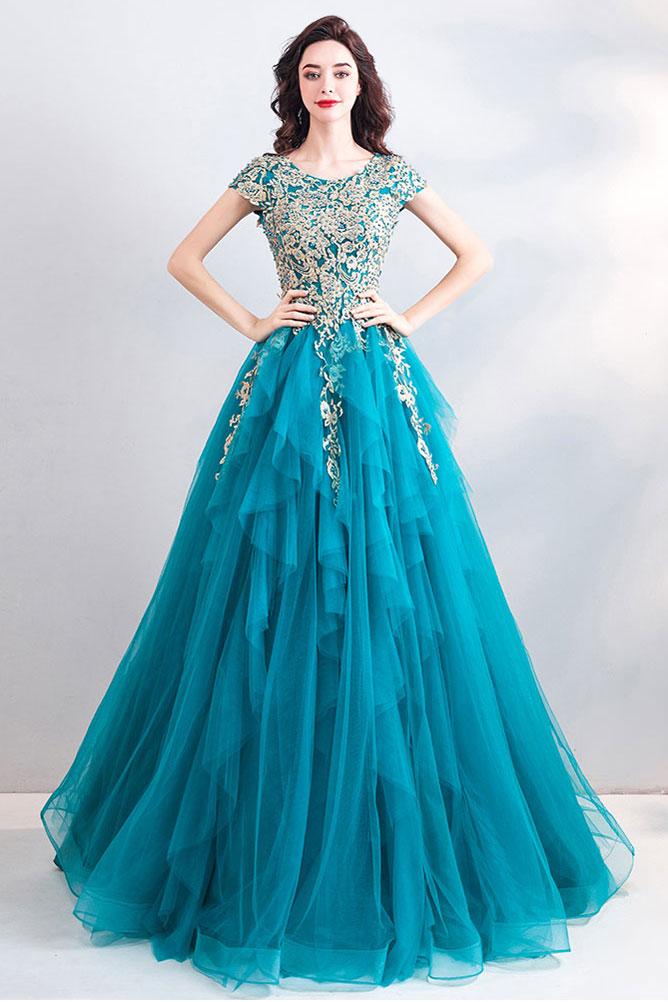 robe de bal princesse bleu turquoise en dentelle appliquée à mancherons