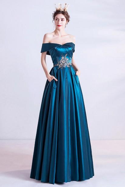 Robe de soirée bleu canard brodée épaules dénudées avec poches à côté