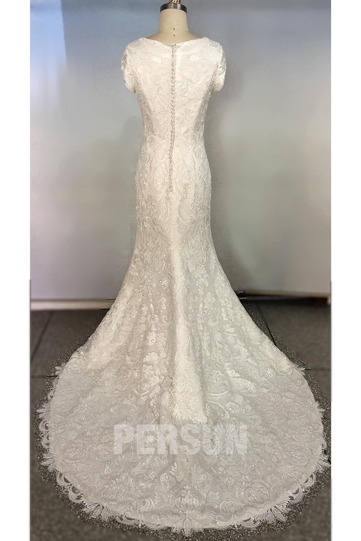 robe de mariée à dos fermé en dentelle coupe sirène à traîne
