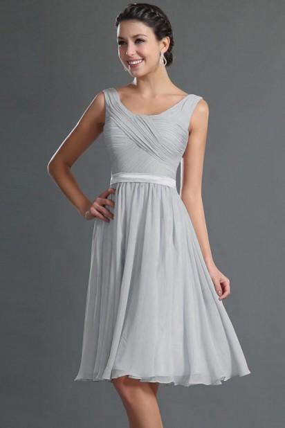 Robe courte genoux grise pour cocktail de mariage