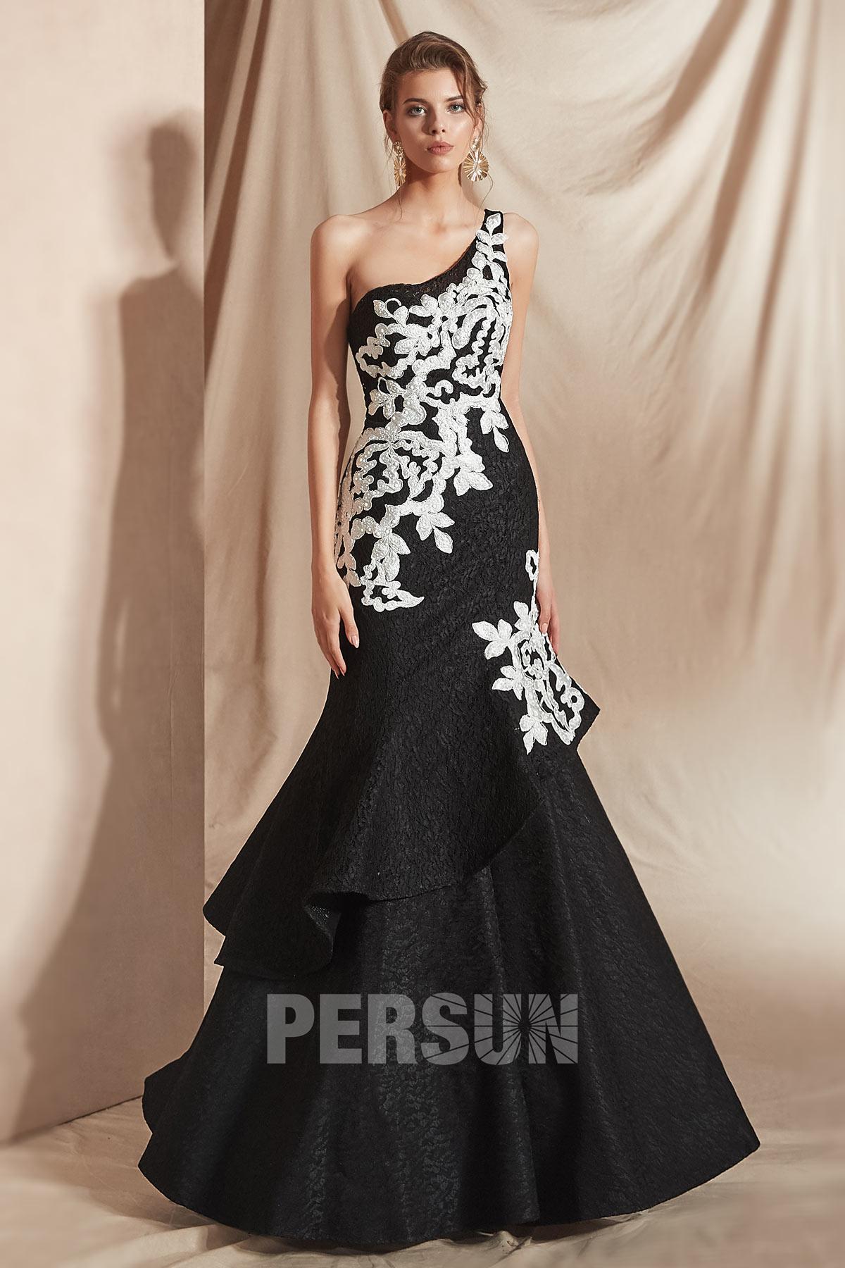 robe de soirée noire trompette longue asymétrique embelli de dentelle florale blanche