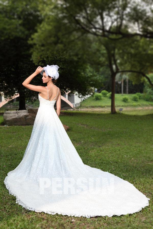 Robe de mariée princesse en dentelle paillettée à traîne royale