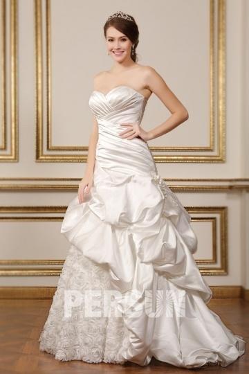 Robe mariée princesse à jupe froissée en satin & dentelle 3D