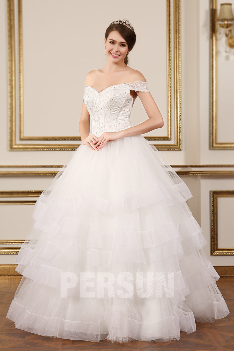 robe de mariée princesse épaule dénudé haut ornée applique jupe à volants multiple