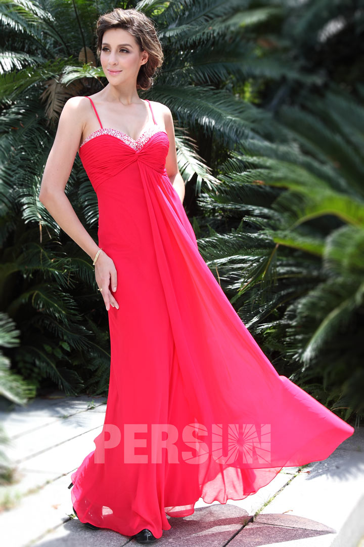 Robe rouge maxi empire pour cocktail de mariage en été