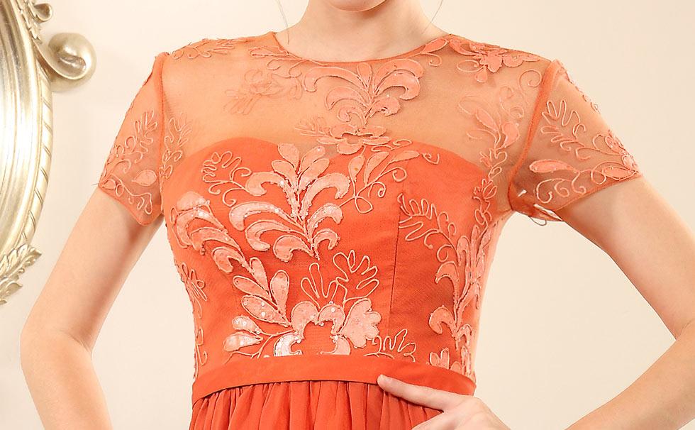 style robe orange encolure illusion avec broderie florale