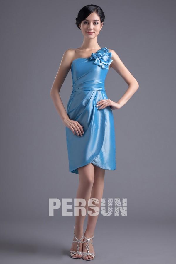Robe demoiselle d'honneur bleu courte asymétrique ornée de fleur fait main