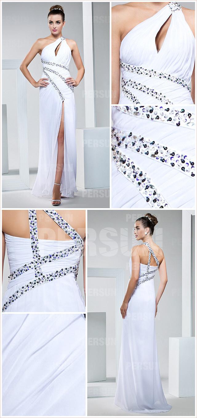 robe sexy blanche asymétrique fendue ornée de strass