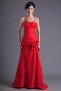 Robe demoiselle d'honneur rouge décolleté en cœur avec bretelle fine ornée de fleur fait main